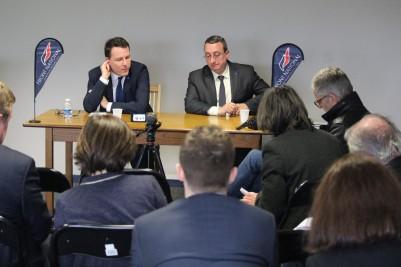 Conférence de presse avec Jean-Lin Lacapelle